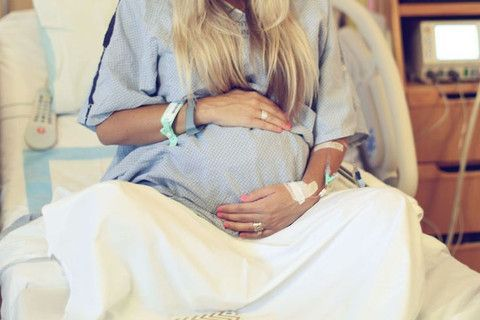 Top 10 Pictures to Take in the Delivery Room | Ella Bella Maternity Boutique