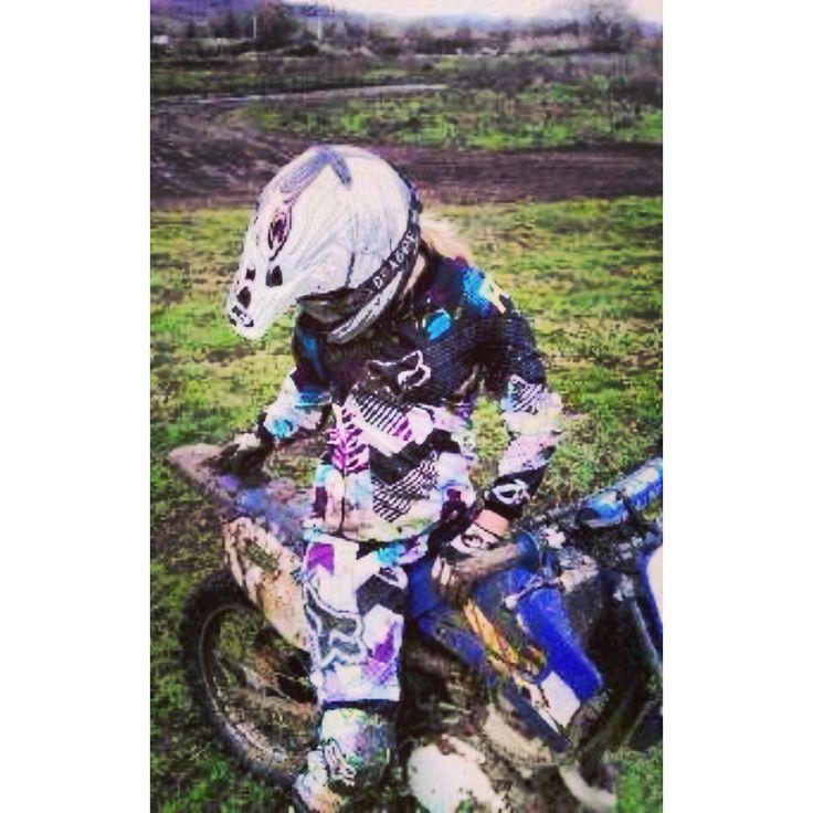Dirt bike girls ..