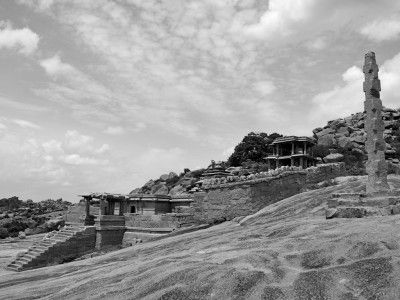 Temples and pavilions, Hampi, Karnataka, India #India #Kamalan #culture #photo #travel