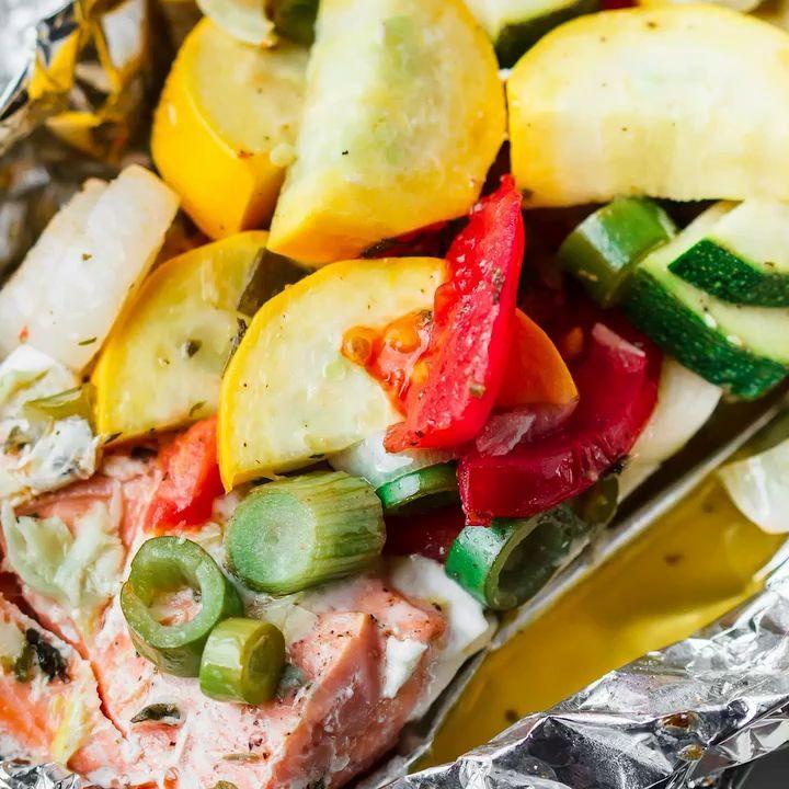 Mediterranean Style Diet Recipes: Mediterranean-Style Garlic Salmon In Foil