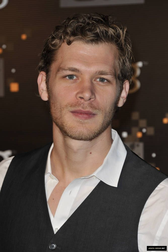 Joseph Morgan I think it might be his character on VD the reason I find him attractive.