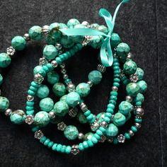N°29 - 5 bracelets élastiqués perles rondes à facettes ou forme abaque à facettes turquoise naturelles et perles en métal coloris argent