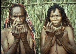 Papua Daniské ženy si usekávají články prstů za své zesnulé příbuzné.Photo©JahodaPetr.cz