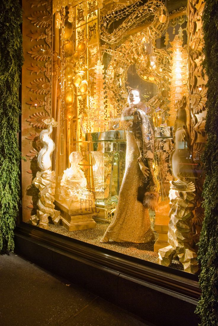 Christmas windows!  My favorite, by far, was Bergdorf Goodman's ...  designfindfashion.blogspot.com