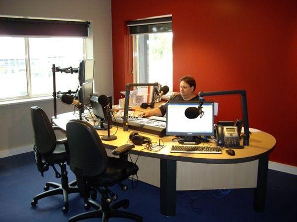 9 best radio broadcasting internship on a community radio