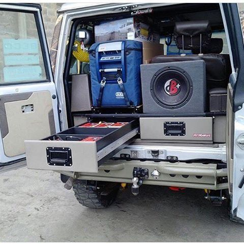 Gavetero y Base de Nevera #PittMan4x4! -  .  - Acabados de primera calidad  - El mejor servicio pre y post venta  - Nos prefieren los que sí saben de Off-Road.    #adventure #camping #comfort #DeViajeConPittman #expeditions #landcruiser #landcruiservzla #offroad #rally #trucks #toyota #toyoteros #trail #Venezuela4x4 #4WD #wheels