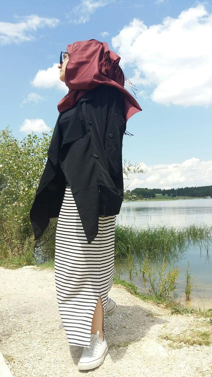 İnstagram: ireminnietemiz . . #hijab #tesettur #etek #esarp #sal #tasarım #design #designer #dress #hijabers #skirt #cizgili