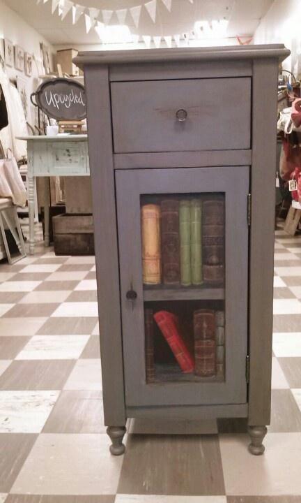 Trompe L'oiel Book Cabinet