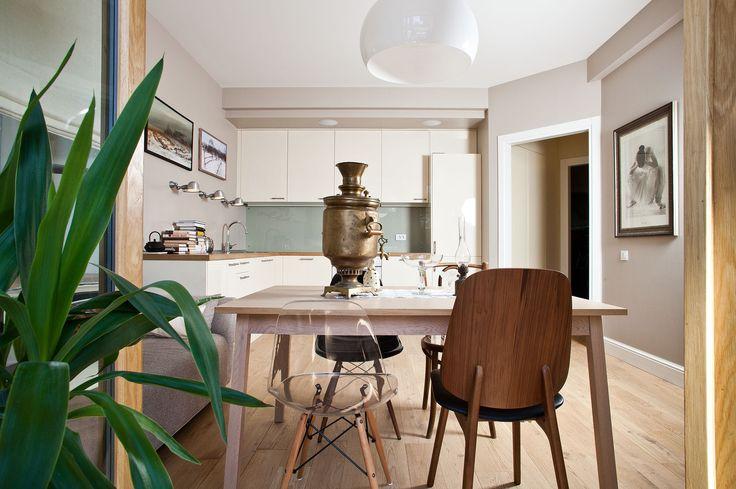 Фотография: Кухня и столовая в стиле Лофт, Квартира, BoConcept, Дома и квартиры, IKEA, квартира для большой семьи, стандинавский стиль, сталинский ампир – фото на InMyRoom.ru