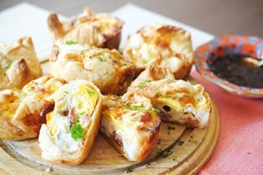 Bacon and egg pies with cream cheese pastry