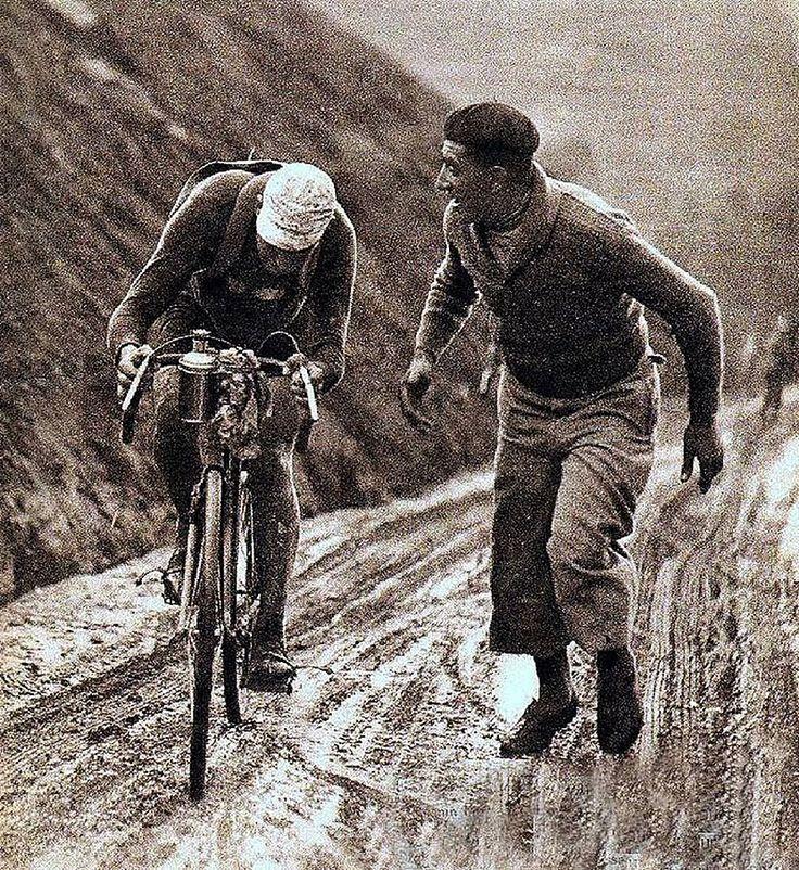 TDF 1932 climbing on the Aubisque.