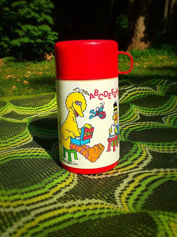 Vintage Muppets Sesame Street Aladdin Thermos, like new condition! by LawsonsGallery on Etsy https://www.etsy.com/listing/246139485/vintage-muppets-sesame-street-aladdin