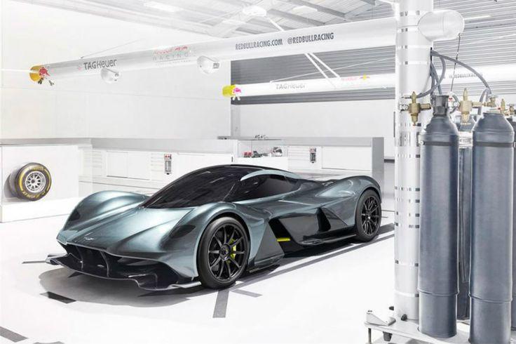 A mistura entre a suavidade dos modelos Aston Martin e a dinâmica da Red Bull nas pistas de corrida resultou no supercarro AM-RB 001, um inovador veículo que promete ser o mais rápido já fabricado.  VEJA MAIS: AMG GT R da Mercedes-Benz é um dos mais poderosos da marca   Com design arrojado e aerodinâmica de um carro digno da Fórmula 1, ...