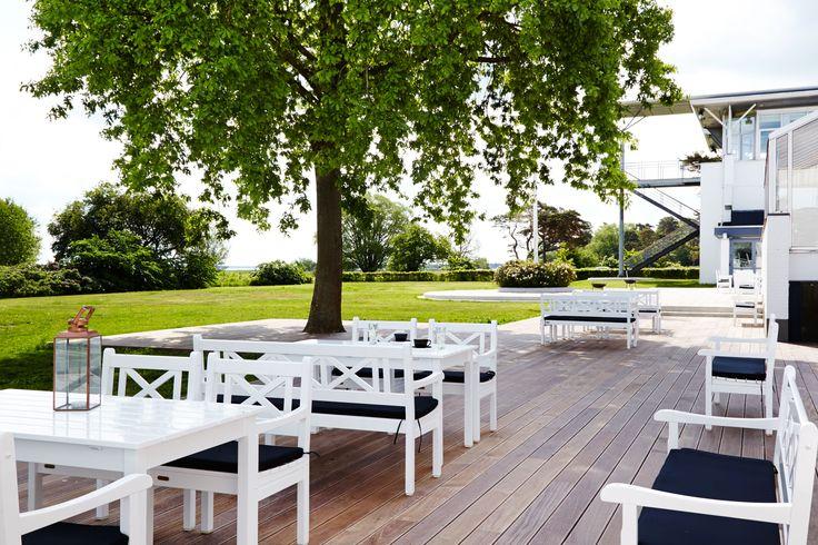 Terrasse med smuk udsigt på Comwell Køge Strand #terrasse #hygge #comwell #comwellkoegestrand #køge