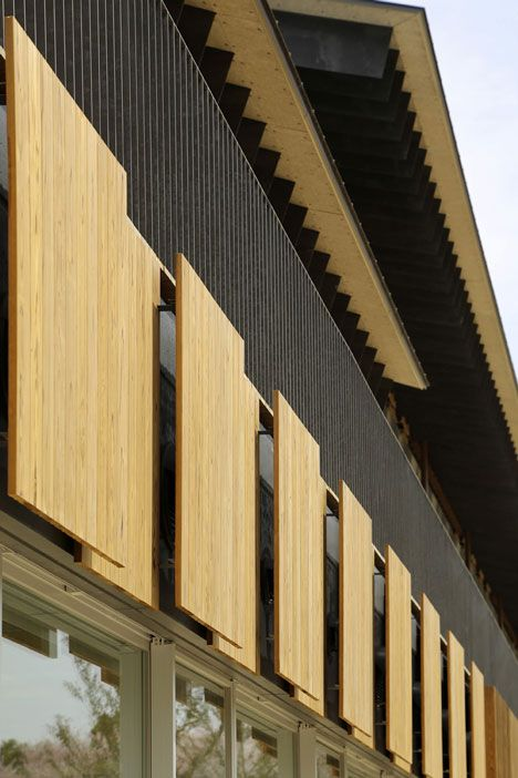 I like the wood screens, let's in light with out direct sunlight Teikyo University Elementary School by Kengo Kuma and Associates