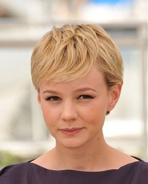 A short blonde straight coloured pixie Carey Mulligan hairstyle by Celebrity Hairstyles