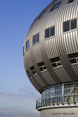Fashion Centre Almere by pinomail, via Flickr
