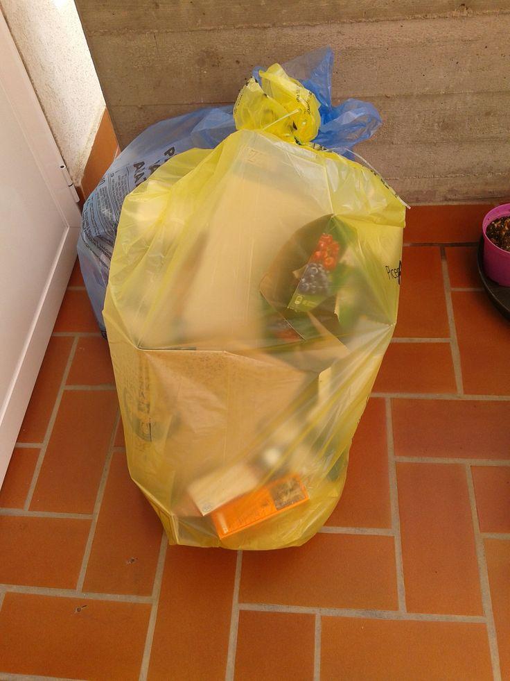 I bidoni della spazzatura: pulizia e rimedi mangiaodori