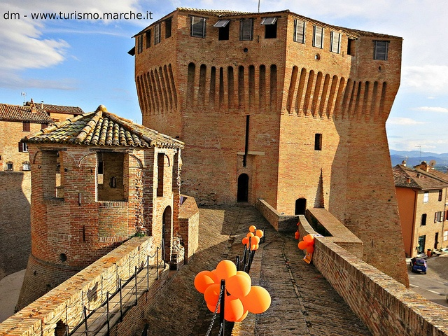 Mondavio: the medieval fortress, designed by Francesco di Giorgio Martini and built between 1482 and 1492. The design is unusual and the castle is remarkable for the fact that it is largely intact. Marche - Italy
