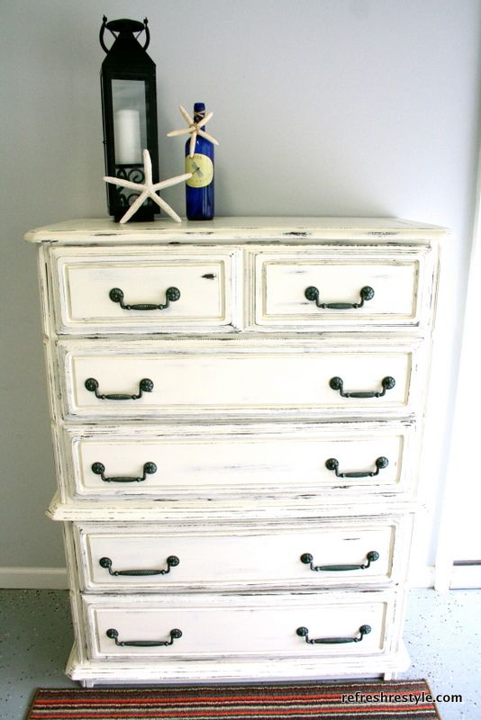 Shabby Dresser makeover with Annie Sloan Chalk Paint to create a cottage shabby chic makeover.