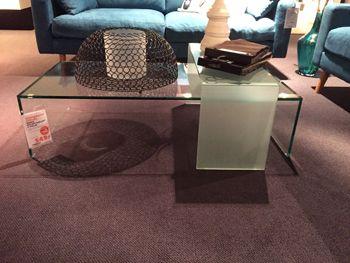 Idoro salontafelset 2-delig U-tafel uitgevoerd in helder glas met hogere u-tafel in mat glas (hxlxb) 030x120x060