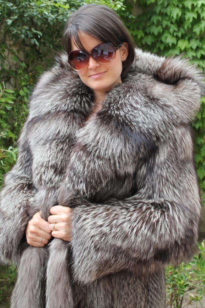 Hooded Silver Fox Fur Coat | Silver fox | Pinterest | Fox fur coat ...