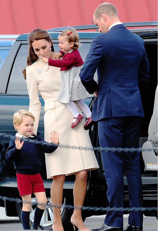 """crownprincesses: """" The Cambridge Family leaves Canada as Prince George do a doupble-handed wave. 