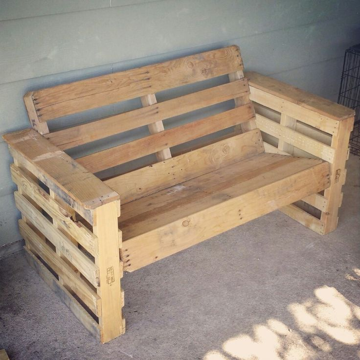 Took 4 pallets to create this bench pallets ideas - Decoracion con pallets ...