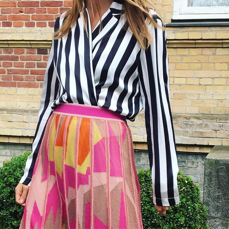 The coolest way to mix an #mmissoni skirt by #karodall ⚡️⚡️⚡️
