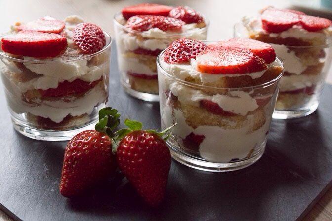 Torentje van aardbeien, cake & mascarpone | Foodaholic