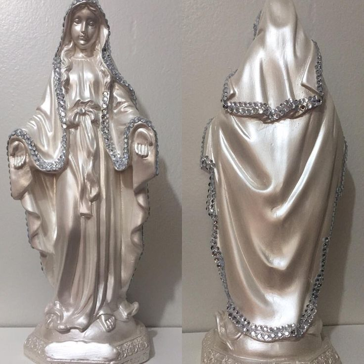 """""""Nossa Senhora Das Graças perolada com detalhes em strass! Linda!  #nossasenhoradasgraças #santodetalhe #imagenscustomizadas"""""""