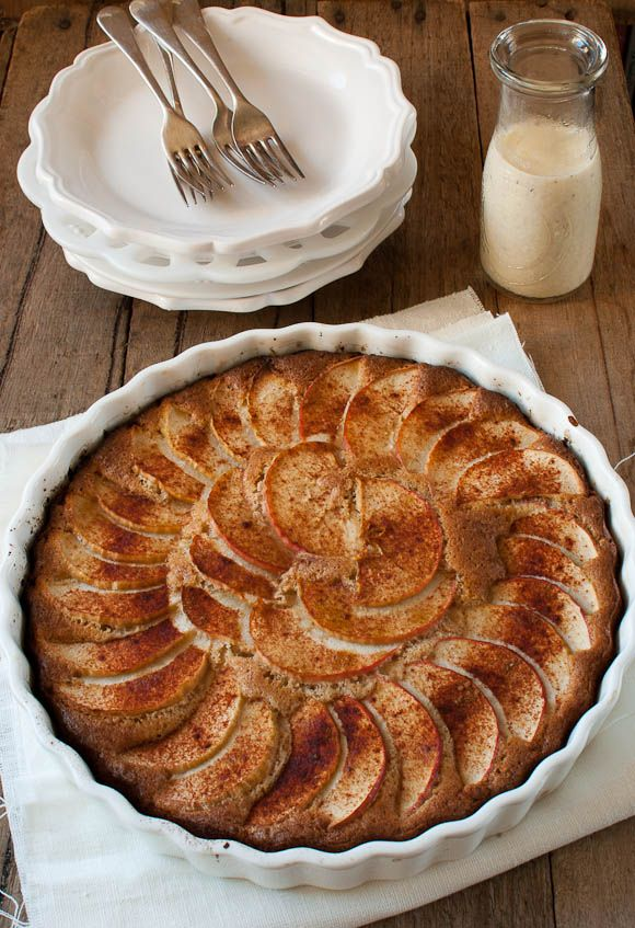 apple tart with vanilla sauce