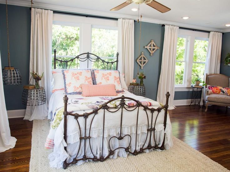 Photos hgtv 39 s fixer upper with chip and joanna gaines for Bedroom designs by joanna gaines
