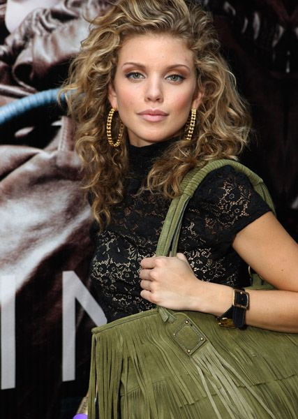 anna lynn mccord...natural curls..wish my hair looked more like this