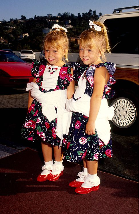 Mary Kate  & Ashley Olsen are my fav on full house. now u know why look at those faces