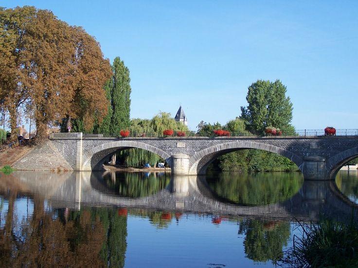 Noyen-sur-Sarthe, Sarthe. Pop: 2611