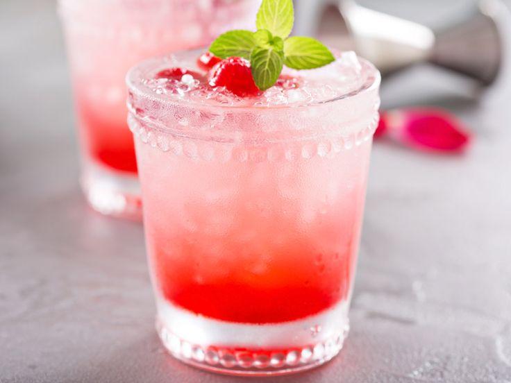 Vad sägs om ett svalkande glas frosè? Foto: IBL