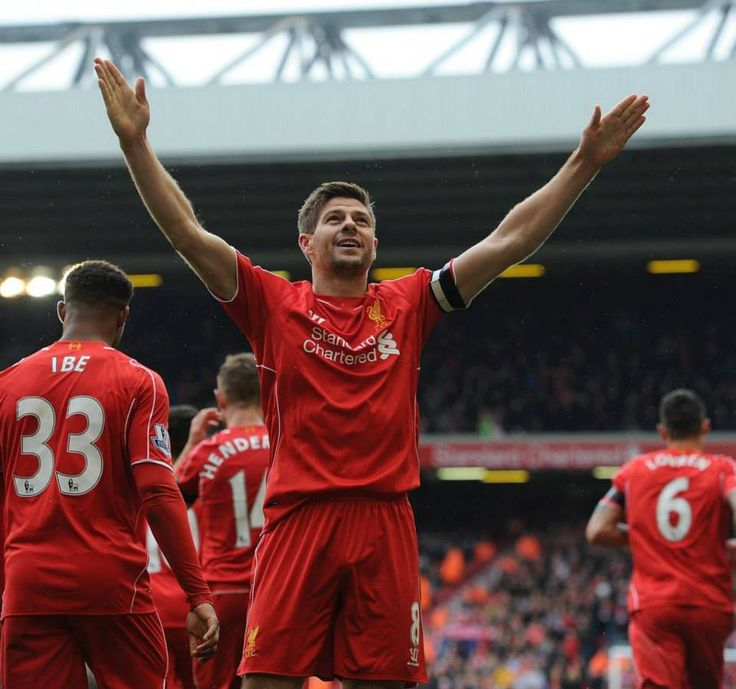 Steven Gerrad scores