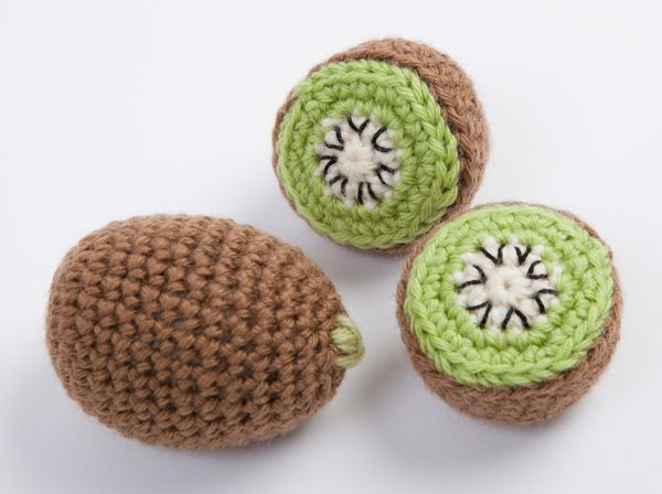 Amigurumi Kiwi Bird Pattern : 17 Best ideas about Crochet Fruit 2017 on Pinterest ...