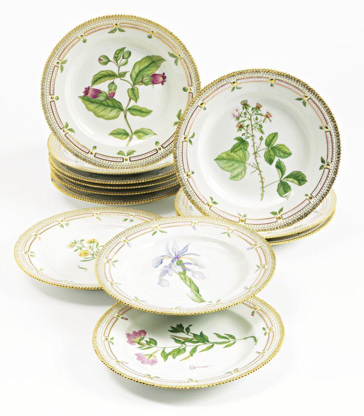 A set of twelve Royal Copenhagen \u0027Flora Danica\u0027 dinner plates  sc 1 st  Pinterest & 393 best Flora danica. images on Pinterest | Flora danica Royal ...