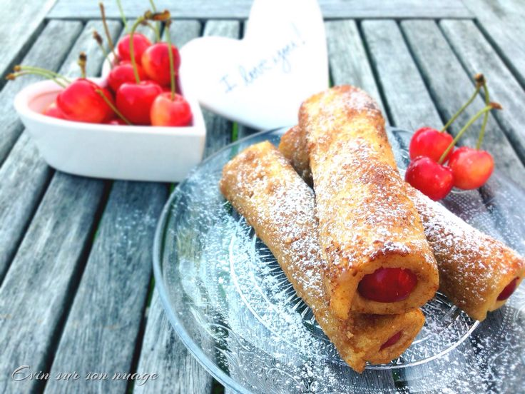 """Cherry French toast roll-up for a perfect brunch , recipe on my """"Evin sur son nuage"""" Facebook page"""