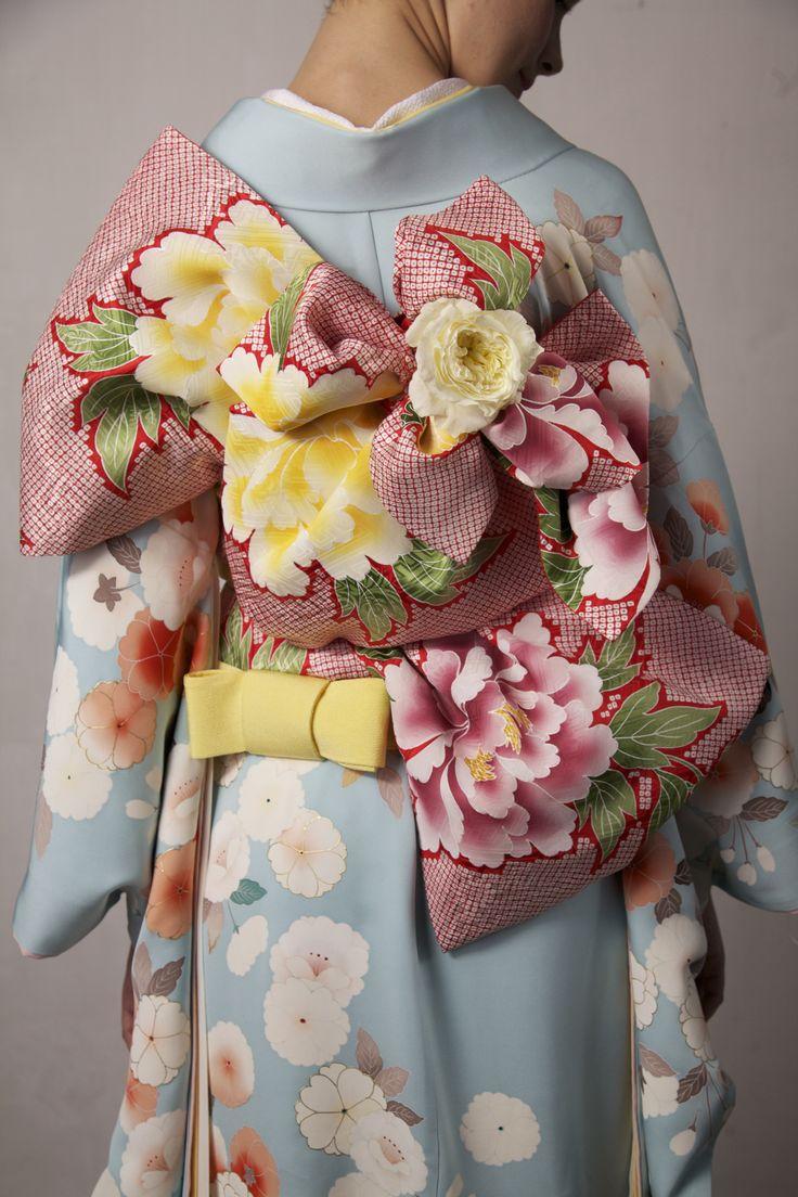 modeandclassic: Go to Kimono Fashion Show on New York Fashion Week 2016 in February.https://www.kickstarter.com/projects/530372888/authentic-kimono-on-stage-at-new-york-fashion-week