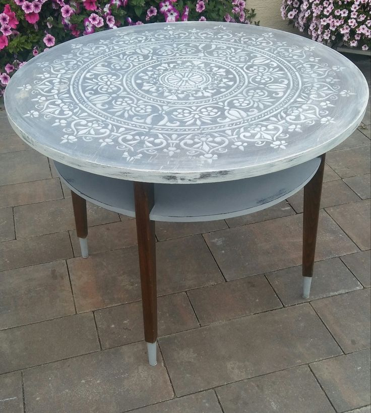 Annie Sloan Chalk Paint -table white grey