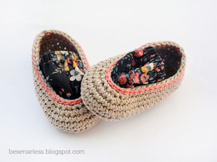 Airali handmade. Where is the Wonderland? Crochet, knit and amigurumi.: L'elogio del piede a pagnottella