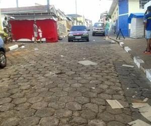 Quinze pessoas foram atropeladas depois de um motorista embriagado invadir uma rua que estava interditada para a realização de uma festa de congadas no início da madrugada deste domingo (28) em São...