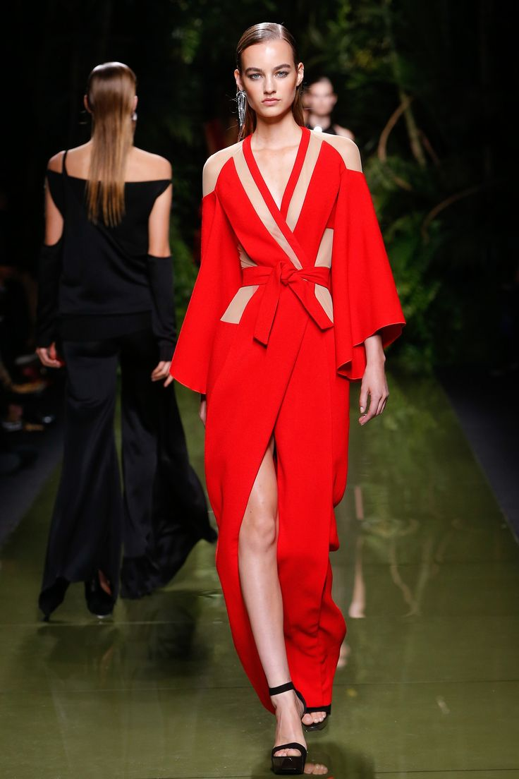 Balmain Spring 2017 Ready-to-Wear Fashion Show - Maartje Verhoef (Women)