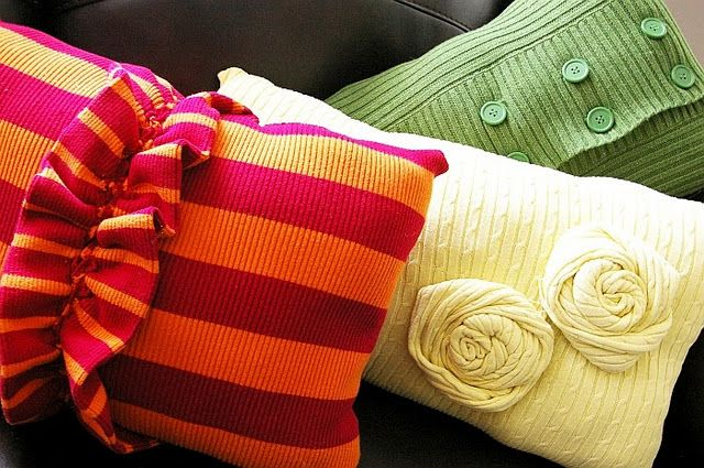 sweater #pillows - BrassyApple.com #homedecor #sewing #refashion