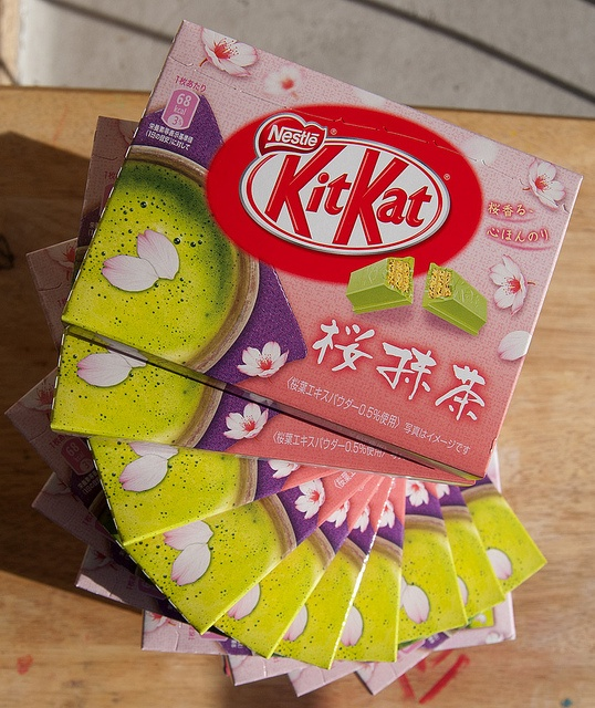 Uji Matcha Green Tea & Sakura flavour Kit Kat from Japan by kalvin1974, via Flickr