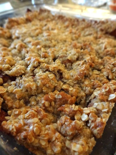 Made in 9x13 pan and did 1.5 times for topping. Scrumpdillyicious: Mom's Apple Crisp with Crunchy Oat Topping