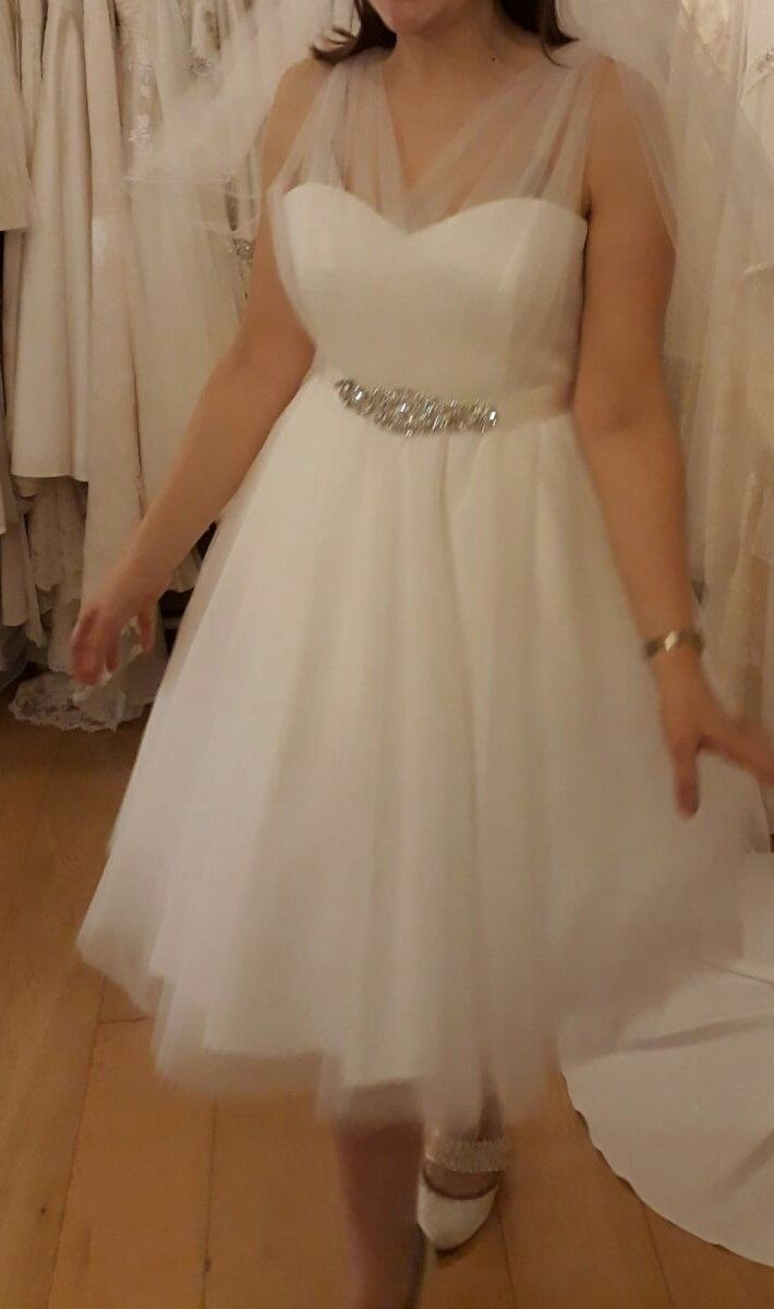 Wedding dresses fifties style  Wedding dress made of chiffon and spotty tulle  Fifties style